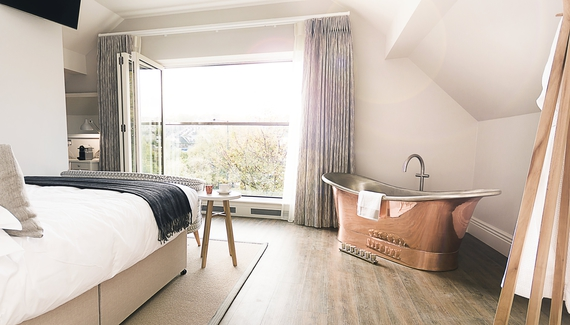 dovecote-bath-and-view.jpg_gallery_preview